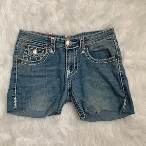 MAKE AN OFFER TRUE RELIGION JEAN SHORTS SIZE 27